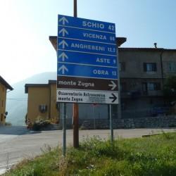 Monte Zugna: Wegweiser