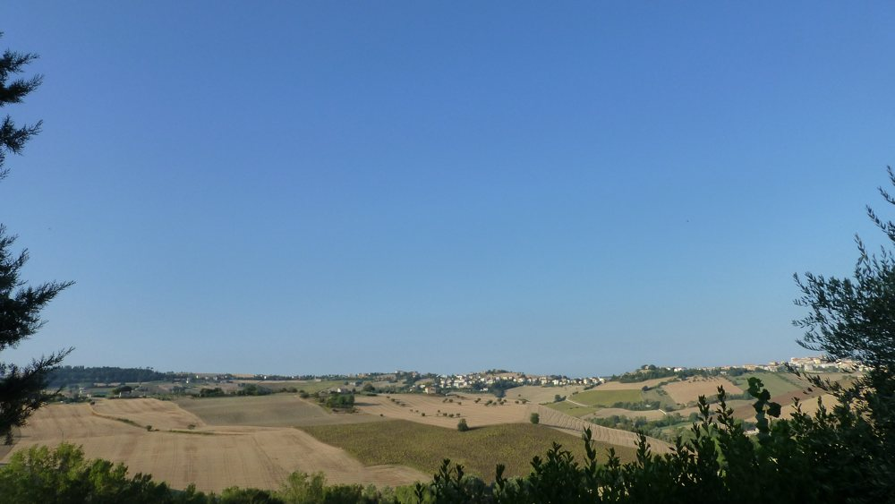 Blick in die Hügel um Civitanova