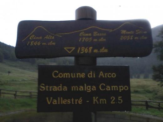 Ende der Asphaltstrasse an der Malga Campo Drena
