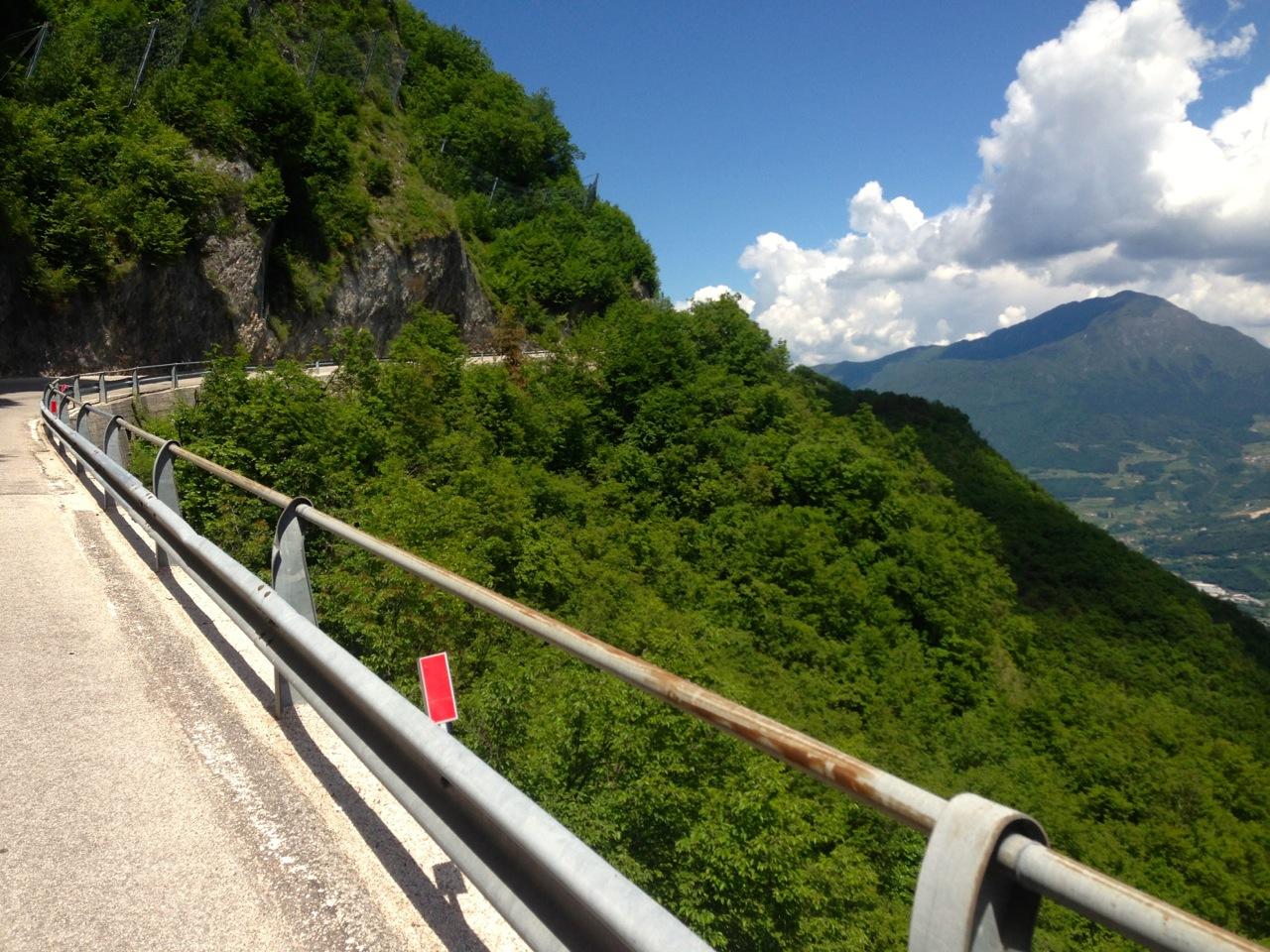 Mit dem Rennrad nach Straße nach Carniga Terme (820m)