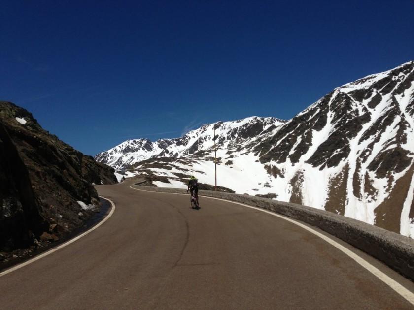 Rennradfahrer auf der Timmelsjoch Hochalpenstrasse