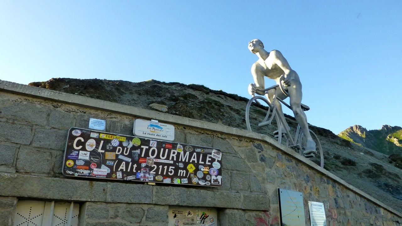 Denkmal am Tourmalet
