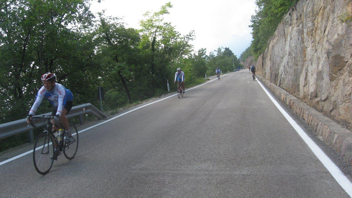 Mendelpass - Penegal - Gampenpass / Gegenverkehr