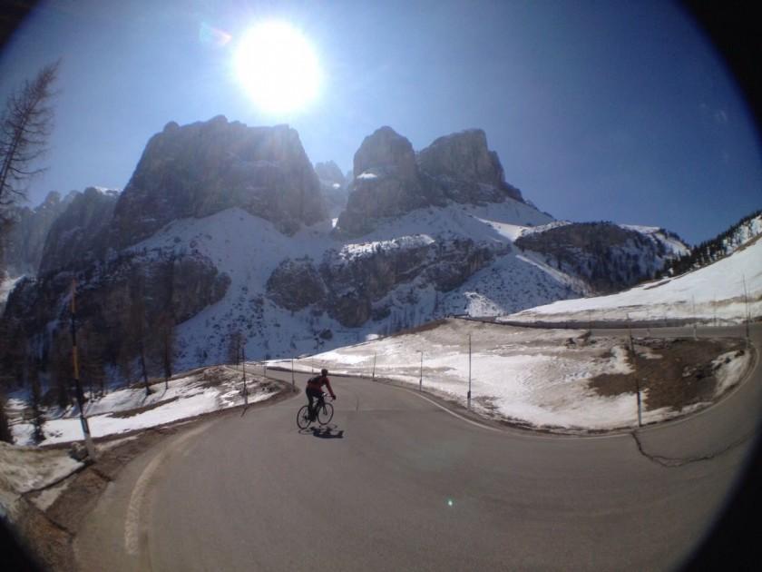 Winter Sellaronda: Downhill Passo Gardena