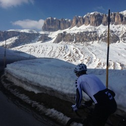 Winter Sellaronda: Schneewände Pordoi
