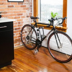 CLUG Rennradhalterung / Wohnung © Clug