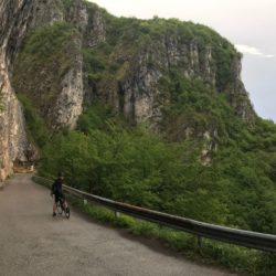 Rennradtour Passo San Boldo - Passo Praderadego / Abfahrt Valmareno